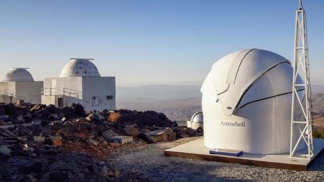 El Telescopio Test-Bed 2 se encuentra en el Observatorio La Silla (Chile).