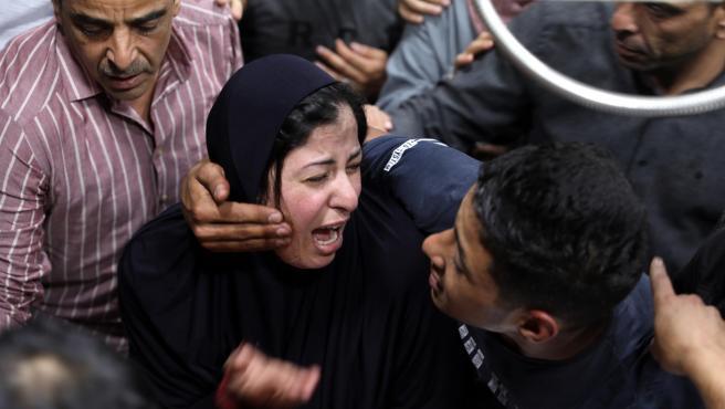Funeral de un joven palestino muerto por disparos del Ejército israelí cerca de Al-Aroub, al norte de Hebrón, en Cisjordania.