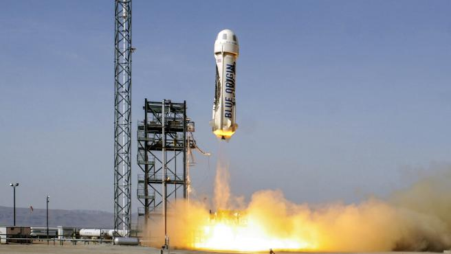La nave New Shepard se compone de propulsor y cápsula.