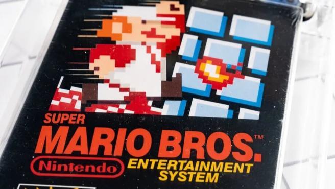 Una copia sin abrir de Super Mario Bros.