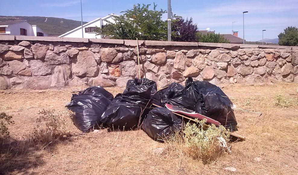 Los vecinos de Morazarzal apuestan por remunicipalizar el servicio de recogida de basura
