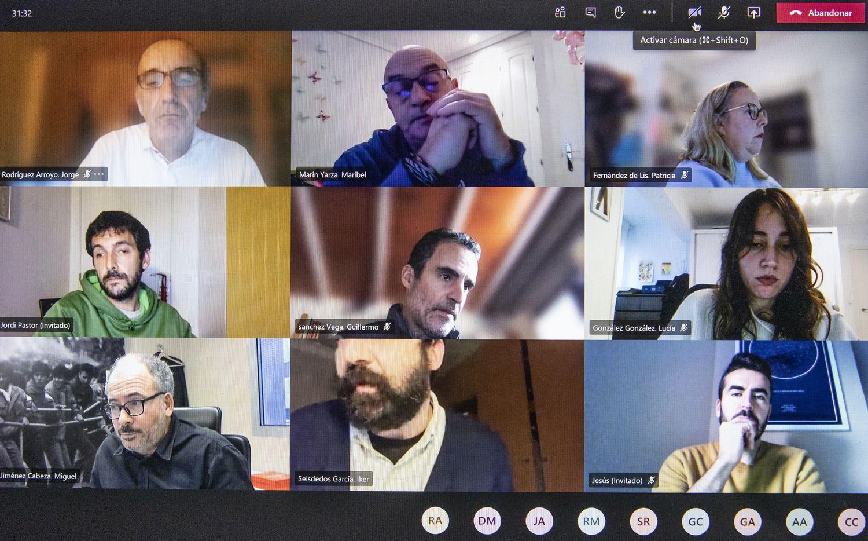 Reunión de redactores de EL PAÍS.