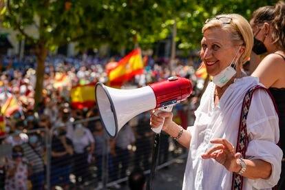 Rosa Díez, durante la manifestación.