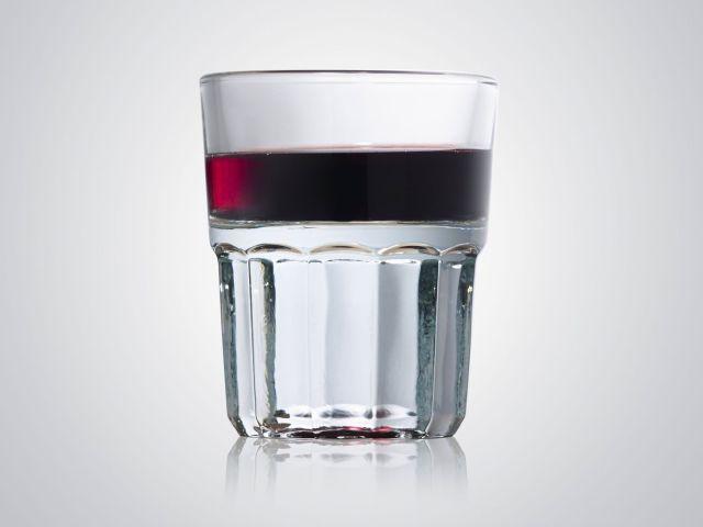 El vaso Txikitero de vino, de origen bilbaíno, de la empresa Vicrila Industrias del Vidrio, un clásico en los bares de la ciudad tras más de un siglo.