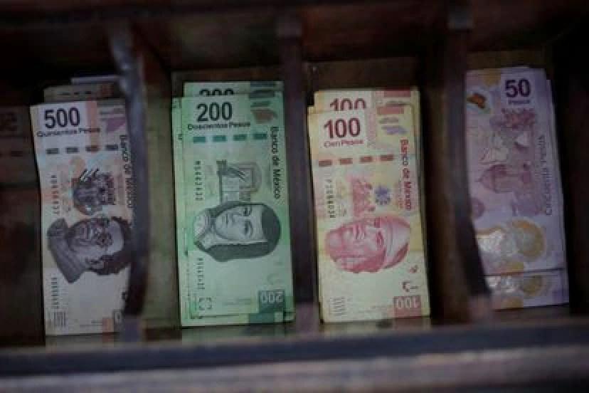 Los billetes en pesos mexicanos, en una tienda de cambio de divisas en Ciudad Juárez.