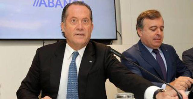 Juan Carlos Escotet, propietario de Abanca, y Francisco Botas, consejero delegado de la entidad, en una imagen de archivo.