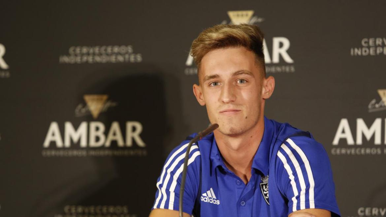 Álex Blanco en sus primeras horas como jugador del Real Zaragoza | Heraldo de Aragón
