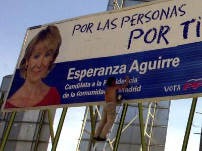 Valla publicitaria de Esperanza Aguirre durante la campaña autonómica de 2003.efe