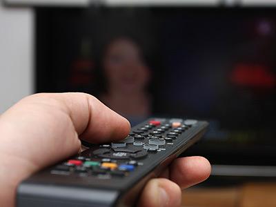 Hay varias fórmulas para acceder a internet desde el televisor.