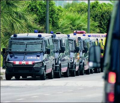 Los alrededores del hotel están vigilados por un gran dispositivo  policial.