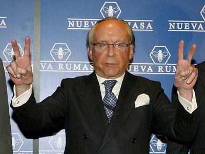 José María Ruiz Mateos a su llegada a la rueda de prensa que ha ofrecido en Madrid para anunciar que diez empresas de Nueva Rumasa se han acogido al procedimiento especial de la Ley Concursal./EFE