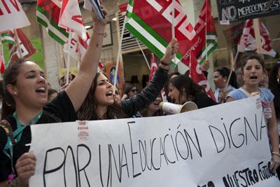 Jóvenes estudiantes en la protesta de Sevilla. - LAURA LEÓN