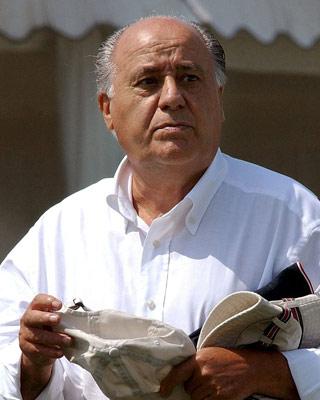 Amancio Ortega asciende al puesto número siete.
