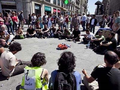 Asamblea en la acampada en la Puerta del Sol.-