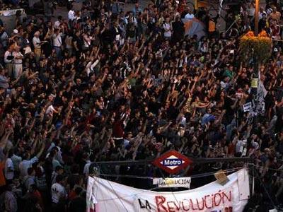 Asamblea en la Puerta del Sol.-