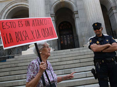 Concentración frente a la Bolsa de Madrid para protestar contra la especulación económica. MIGUEL GARCÍA CASTRO