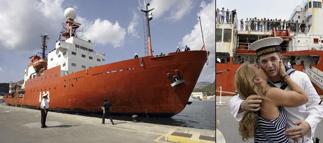 El Buque de Investigación Oceanográfica Hespérides a su llegada hoy al Arsenal de Cartagena tras finalizar la expedición de circunnavegación Malaspina 2010.