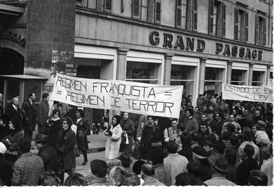 Manifestación contra el estado de excepción celebrada en Bruselas en 1969. - C.D.M. DE LA FUNDACIÓN  1º DE MAYO