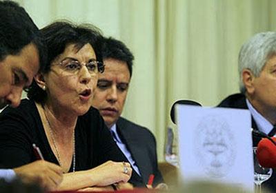 Alicia Moreno en la mesa de observadores internacionales celebrada ayer en el Ateneo.