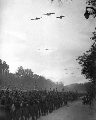 Desfile de la victoria de las tropas franquistas en Madrid, en mayo de 1939. EFE
