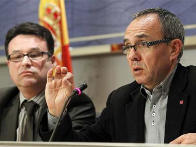 El diputado de Izquierda Unida Joan Josep Nuet (i) y el portavoz de la Izquierda Plural (IU-ICV-CHA), Joan Coscubiela. EFE