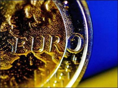 Fotografía de un euro. Archivo (EFE)