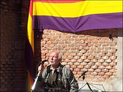 El actor Álvaro de Luna recitó un poema de Rafael Morales, a quien conoció en el madrileño Café Gijón. -PATRICIA CAMPELO