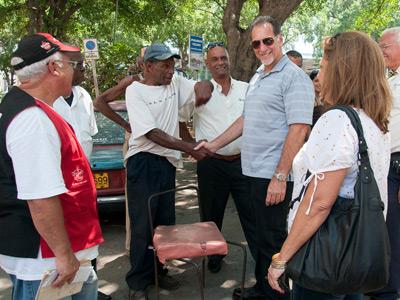 El agente cubano René González, recién liberado de la prisión de EEUU.