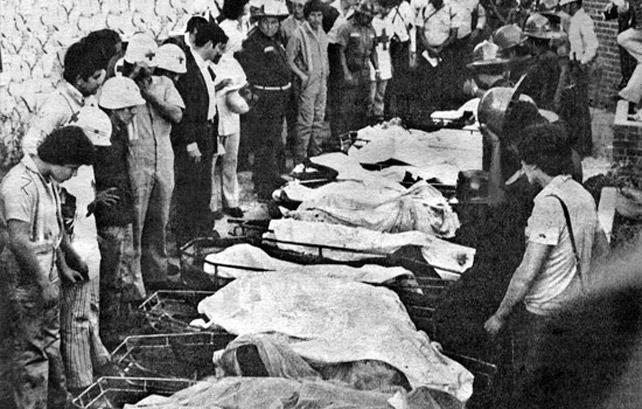 Imagen de los cadáveres resultantes del asalto militar.