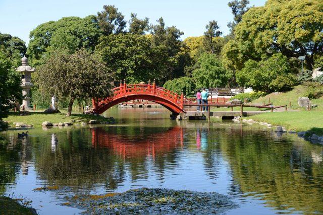 Imagen bonita jardin japonés en buenos aires puente rojo