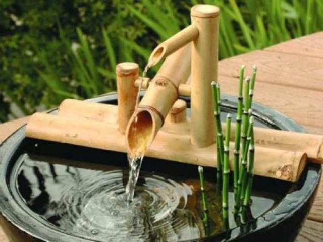 decoracion zen para el jardin con fuentes de agua con bambu