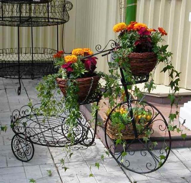 Imagenes con ideas de reciclaje para el jardin bicicletas con flores