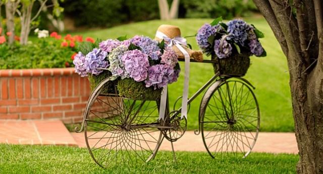 Imagenes con ideas para reciclar una bicicleta vieja para el jardin