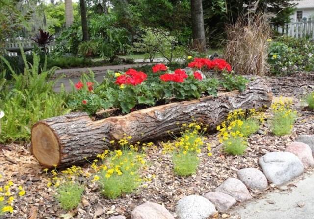 Reciclar troncos para usarlos como matreros de plantas y flores
