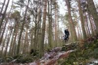 Saltando con bicicleta de montaña