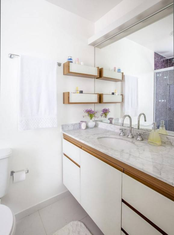 pisos branco para banheiro