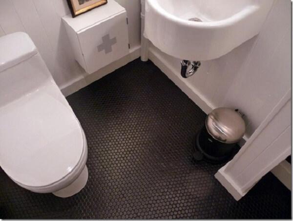 Piso para banheiro antiderrapante na cor preta