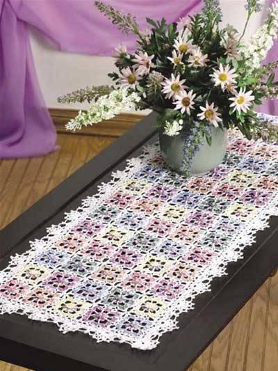 caminho de mesa de croche detalhada