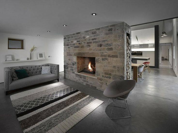 eclectic- Sala de estar com piso de cimento queimado