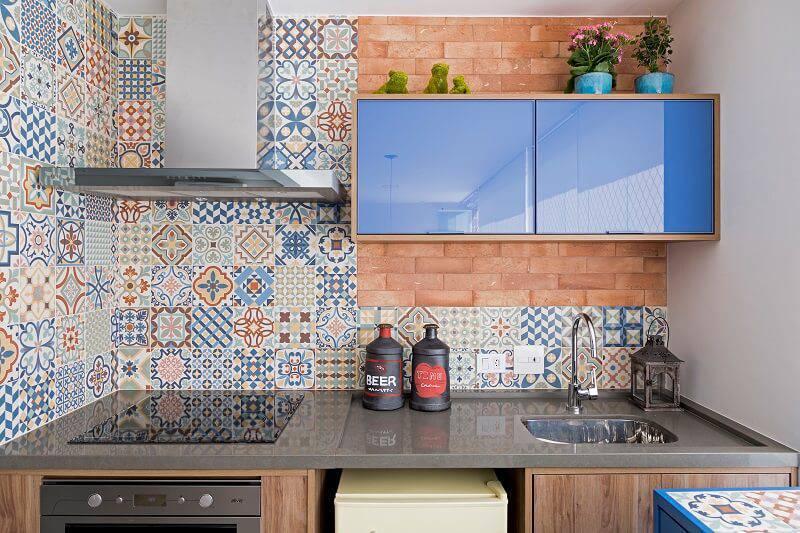 apartamento colorido decorado cozinha azul