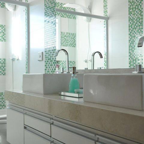 torneira para banheiro da deca tipo misturador fundo verde