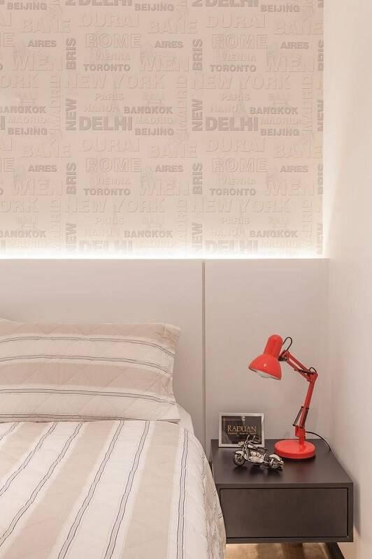 Papel de parede no quarto de casal raduan arquitetura 100105