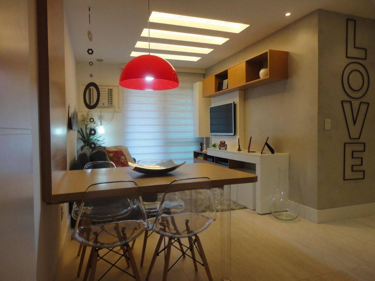 cadeiras sala de jantar acrilico transparente eames maria helena torres 101148