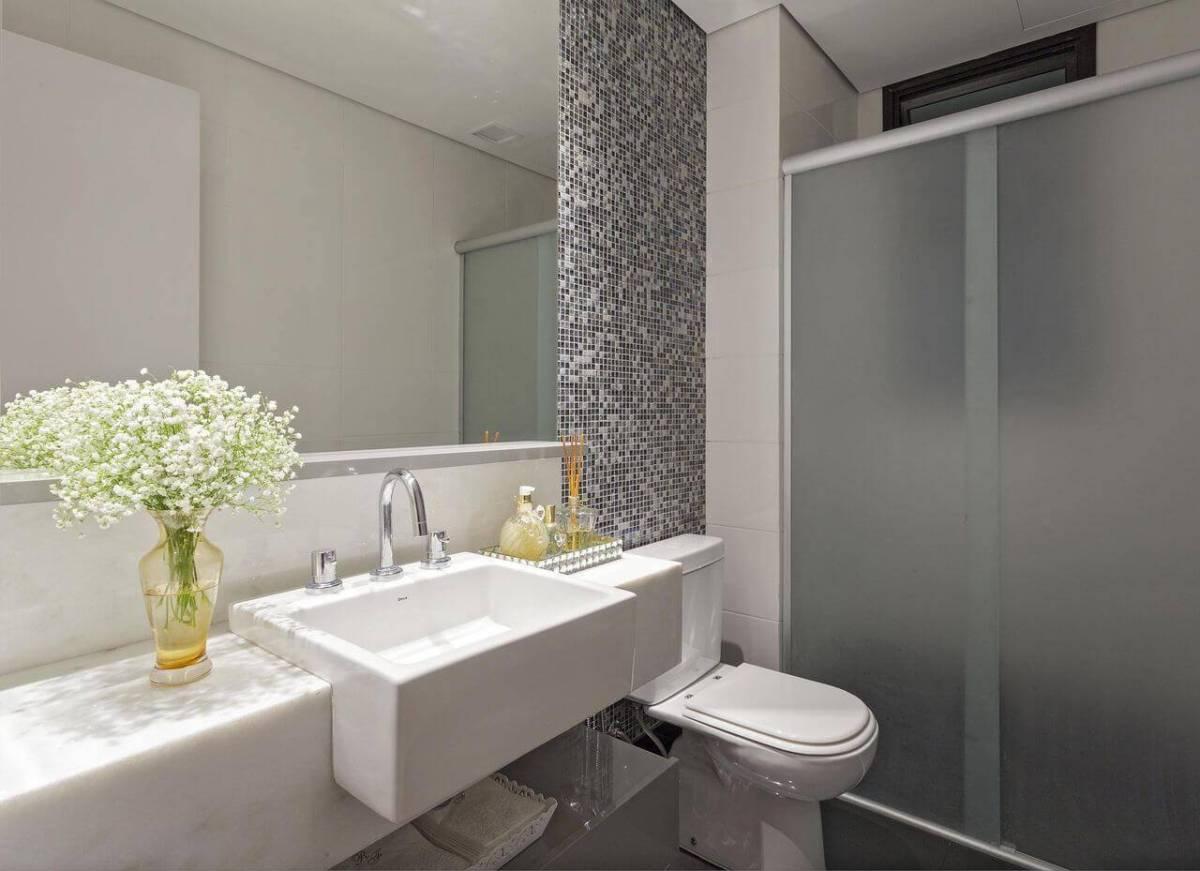 espelho para banheiro simples pastilhas amis arquitetura design 103655