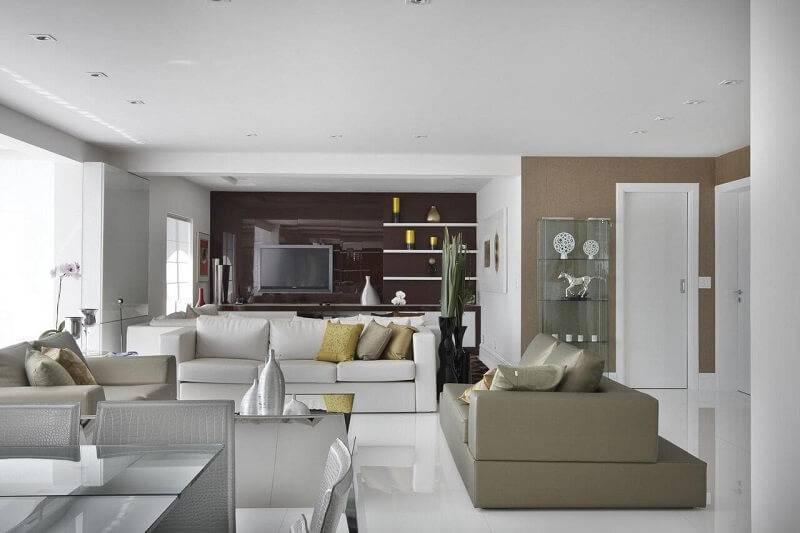 Sala planejada all white projeto de Léo Shehtman