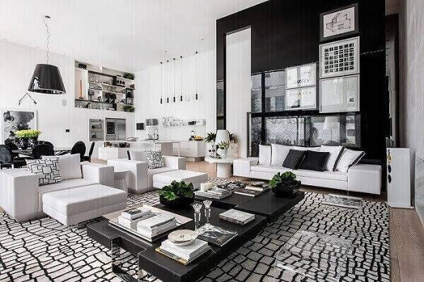 sala planejada com painel preto projeto de Lídia Maciel