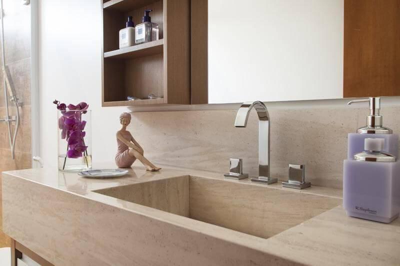 Decoração de banheiro com nicho de madeira Projeto de Arquitetura 8