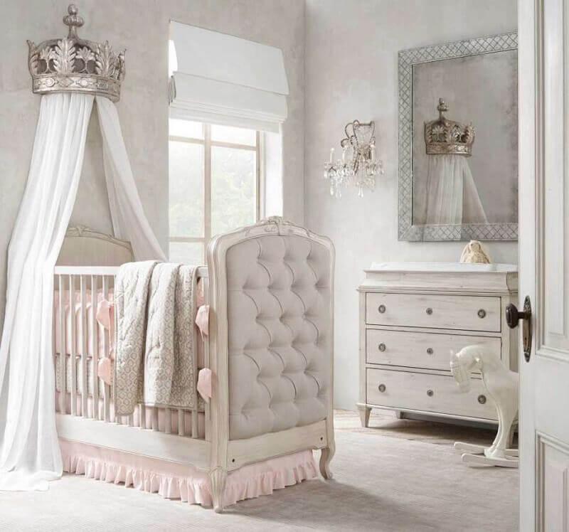 quarto de bebê de princesa lúdico
