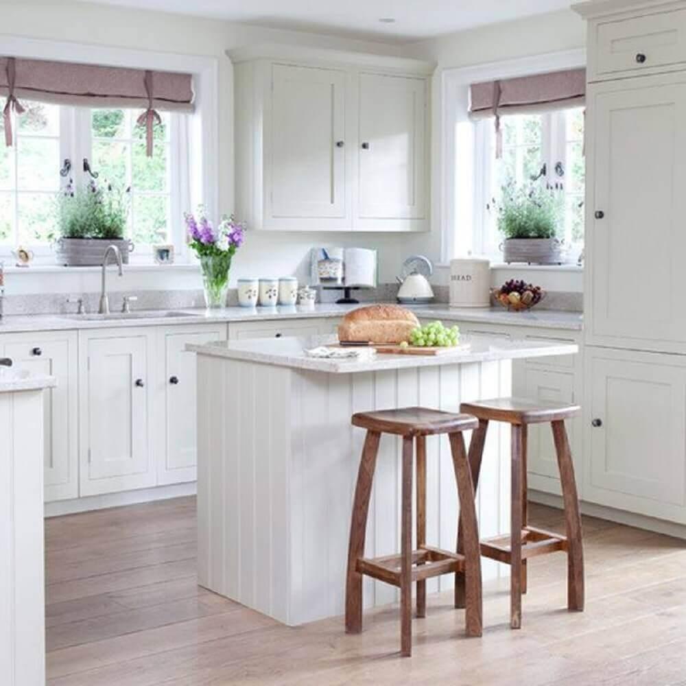 decoração de cozinha com ilha pequena simples