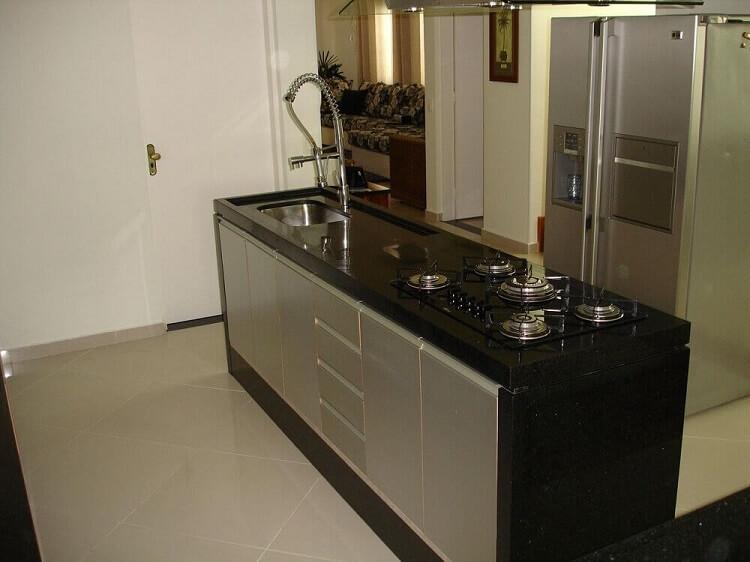 Ilha com cooktop e pia para cozinha